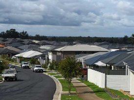 搶房屋=搶學位 校網內外屋價差別 最高達$596,000