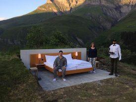 瑞士阿爾卑斯山脈360度環抱  無屋頂無牆壁野外酒店