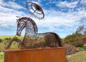 結合自然美與藝術味  漫步花園中與雕塑間  MICA GRANGE 春季園藝雕塑展2017